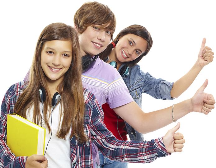 Jóvenes eligiendo un camino adecuado